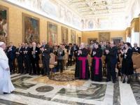 Gruppe-bei-Papst